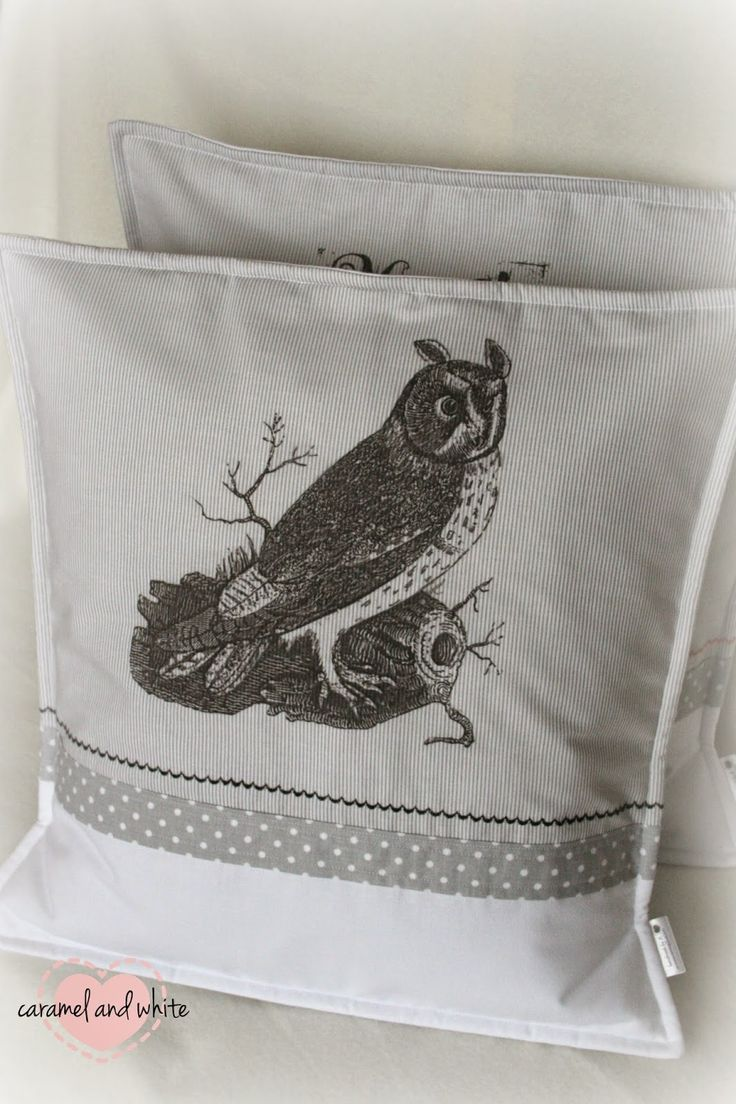 Halloween pillow. handmade by caramelandwhite
