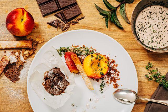 Moelleux au chocolat et pêche au thym - Le Matin, l'actualité en direct: sports, people, politique, économie, multimédia