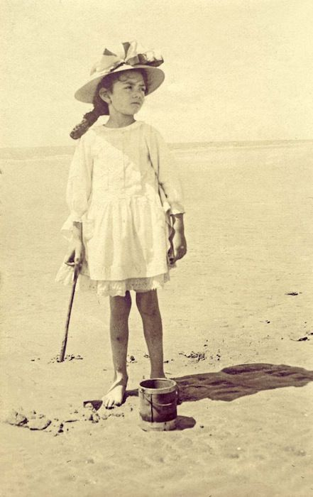 Komona's trips to the ocean in Europe were a little different.  Bruised little legs- allowed to take off her braces, thank god.  But the cane was still needed.Ri-Vanna Sho-Dan