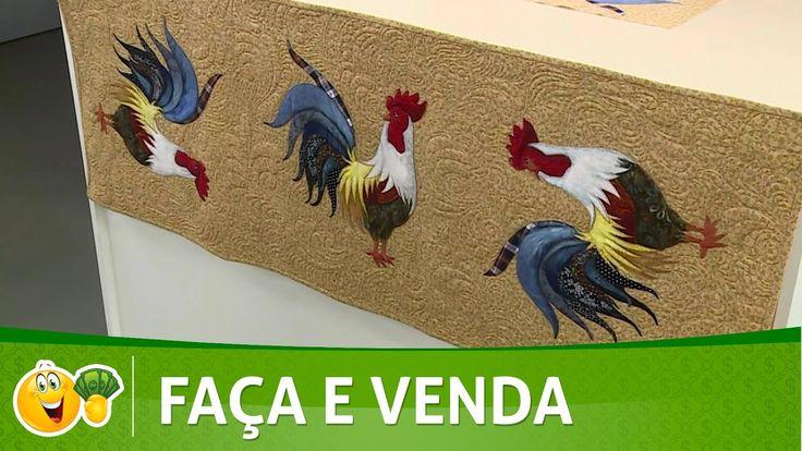 Vida com Arte | Caminho de mesa com galo por Ataíde Depizzol - 15 de Abr...