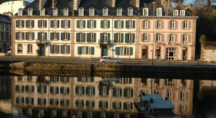 Hôtel Du Port Morlaix Located beside the old Morlaix tobacco factory, the Hôtel Du Port offers views over the harbor of Morlaix. Free parking is available in front of the hotel and the historic centre is only 1 km away.