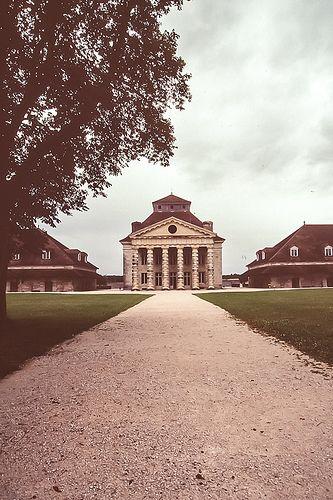 Saline royale d'Arc-et-Senans  arch : Claude-Nicolas Ledoux , 1775-79  Pavillon d'entrée