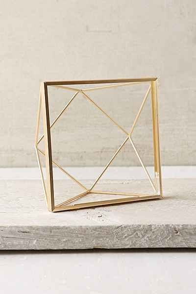 best 25 wire picture frames ideas on pinterest 3 picture frame picture frame tray and. Black Bedroom Furniture Sets. Home Design Ideas