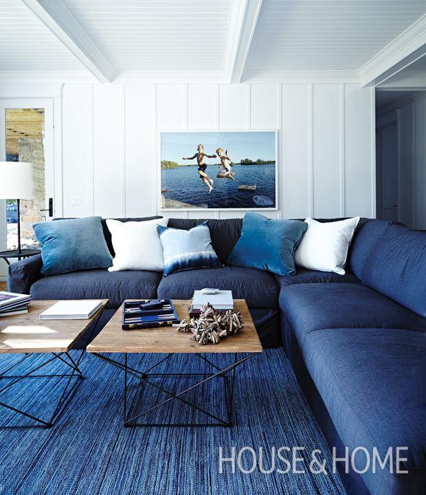 Best 25 Navy Blue Sofa Ideas On Pinterest