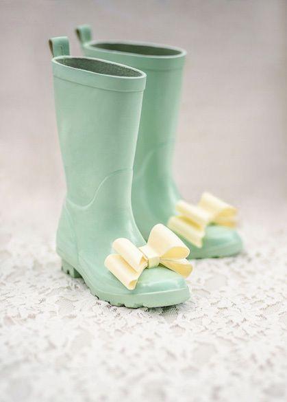 One Good Thread - Joyfolie | Molly Rainboots -Spring Green with Umbrella, (http://www.onegoodthread.com/joyfolie-molly-rainboots-spring-green-with-umbrella/)