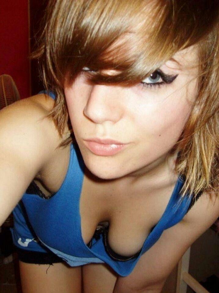 Down Blouse  Moda Donna  Pinterest  Sexy Teens, Selfies -5246