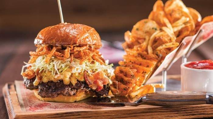 Guy Fiery restaurant: try the motley que, vegas fries and bloody mary!