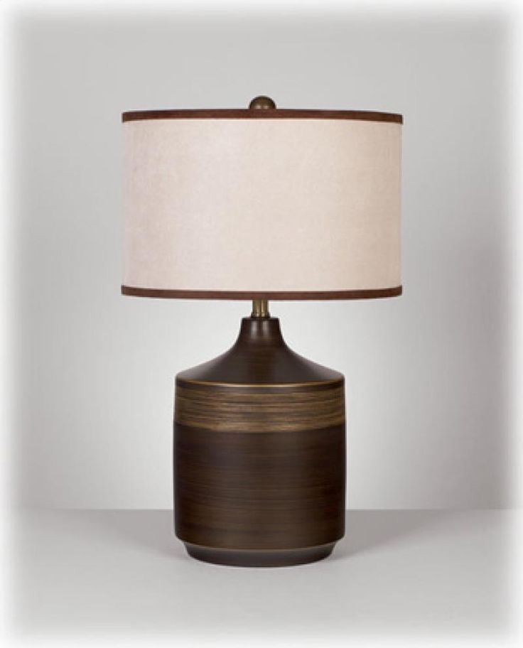 L129914T by Ashley Furniture in Winnipeg, MB - Ceramic Table Lamp