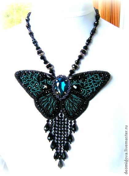 """Колье, бусы ручной работы. Ярмарка Мастеров - ручная работа """"Изумрудные Крылья"""" колье ввиде бабочки. Handmade."""