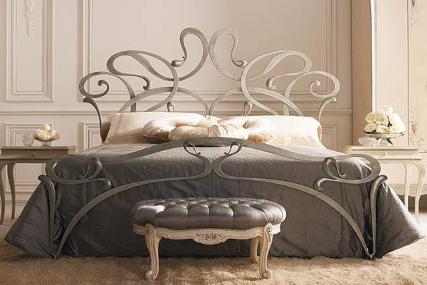 I am beyond obsessed with this bed frame!!! If I hadn't recently bought a new one, this would be mine ASAP!  #Obsessed