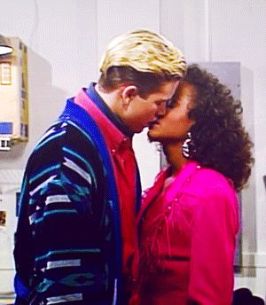 For a single episode on Saved By The Bell, Zack Morris (Mark-Paul Gosselaar) stopped chasing after cheerleaders & acted on his feelings for life-long friend Lisa Turtle (Lark Voorhies).
