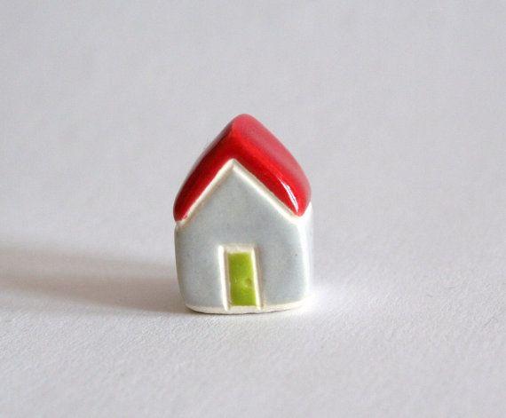 Крошечный коттедж красный серый зеленый лайм миниатюрный немного глины дом коллекционные декор террариум