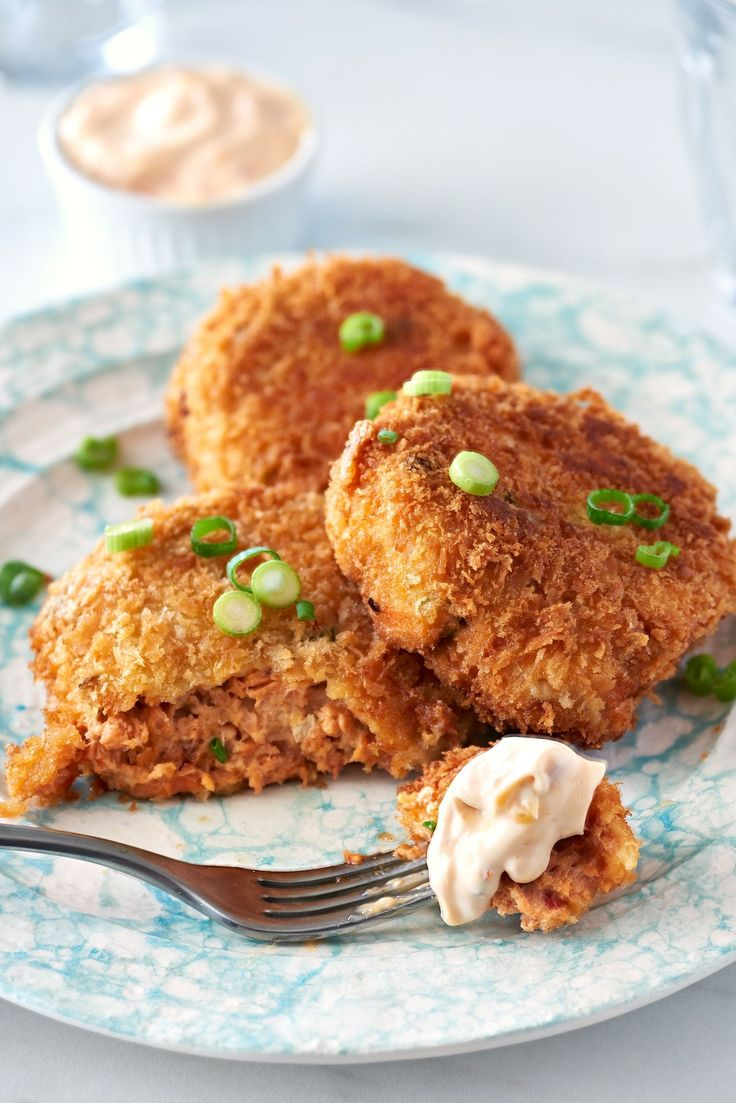 Recipe: Spicy Canned Salmon Cakes — Quick and Easy Weeknight Dinners #recipes #food #kitchen