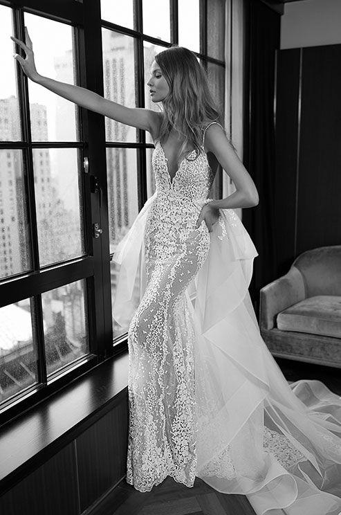 See photos of Berta's Fall 2016 wedding dress collection.