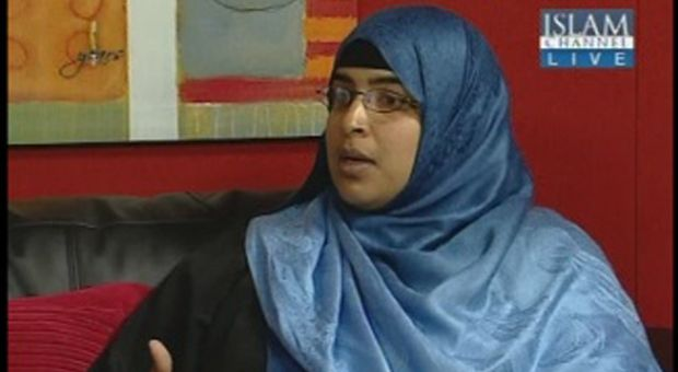 """HT's Dr Nazreen challenges Philip Hollobone MP, burqa ban supporter, to debate women's oppression 27Jul10 hizb ut tahrir. Check headline: """"Hizb ut Tahrir The Liberation Party in Britain"""""""