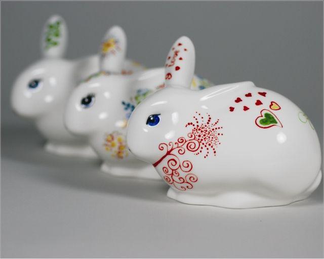 Ręcznie malowany porcelanowy królik świętokrzyski Hand painted porcelain rabbit