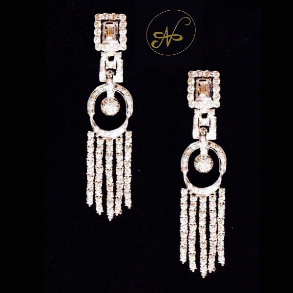 Namrata Singh Fine Jewellery - A pair of georgeous diamond earrings !!!