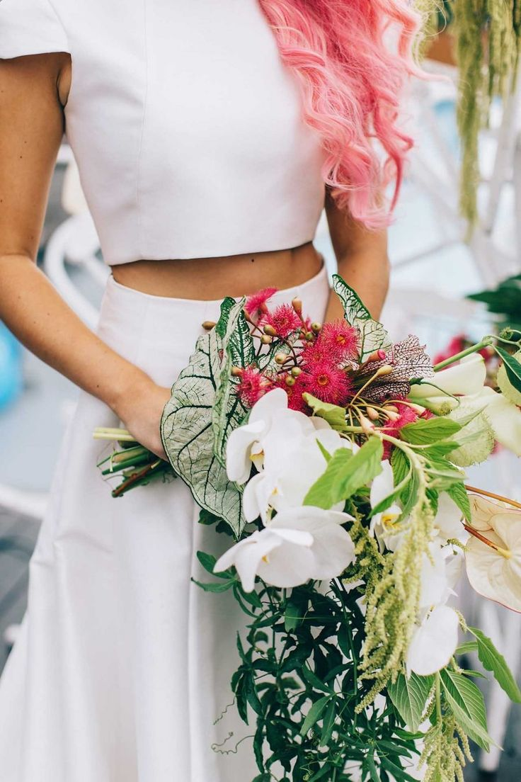 Best 25+ Tropical wedding bouquets ideas on Pinterest | Wedding bouquet  ideas without flowers, Wedding bouquets and Bouquet
