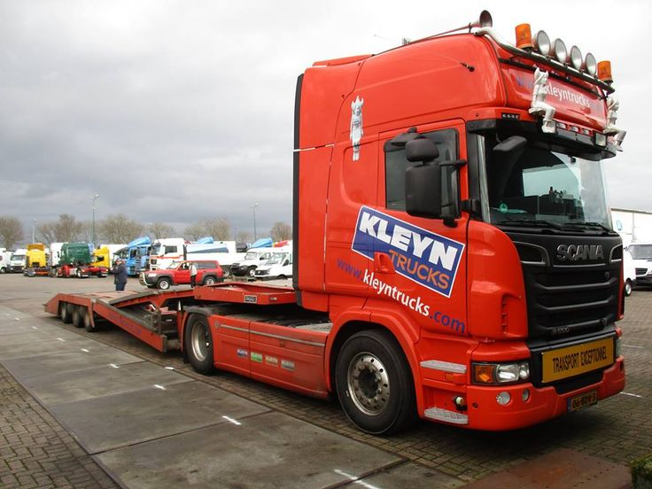 Show our truck ;-) Thank you for the picture Henk de Groot!