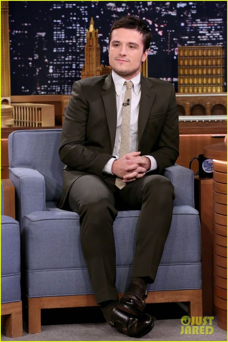 Josh Hutcherson Plays Beer Hockey Game with Jimmy Fallon!