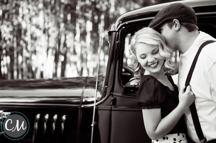 I couldn't help but steal this pin. This is what I want my engagement photos to look like <3 looks just like the notebook