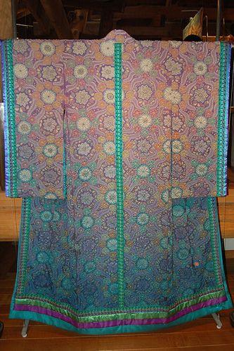Japanese Kimono Art by Kimono Exhibit, via Flickr