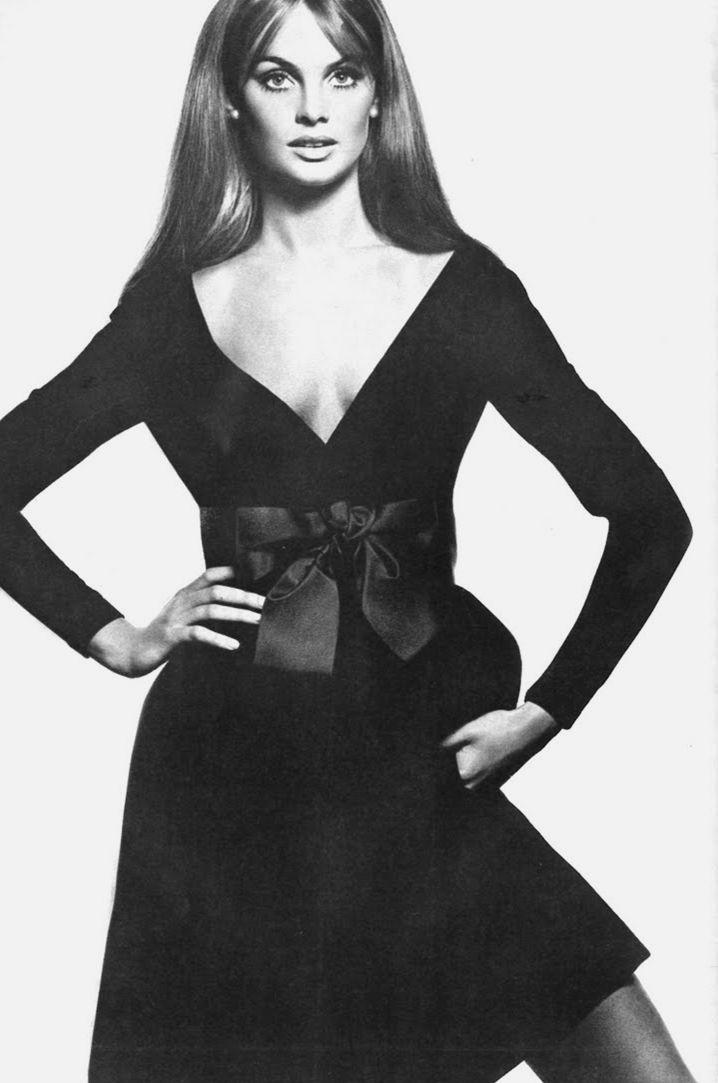 Jean Shrimpton by David Bailey for Vogue Paris December 1968.. www.fashion.net