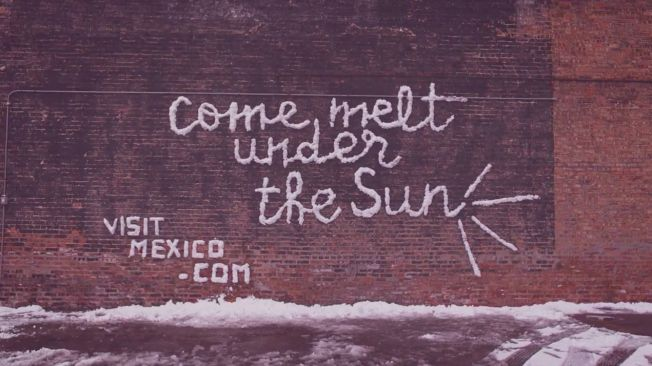 Mexico Tourism Board uses local street artist NosE Lanariz to make some outdoor ads from the snow in Chicago this spring.