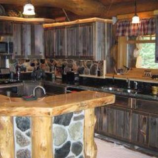 Log cabin kitchens cabin kitchens and log cabins on pinterest for Log cabin kitchen backsplash ideas