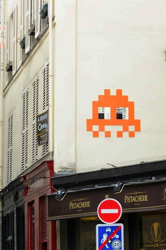 Space invaders - street art - Paris 3 - rue Quincampoix
