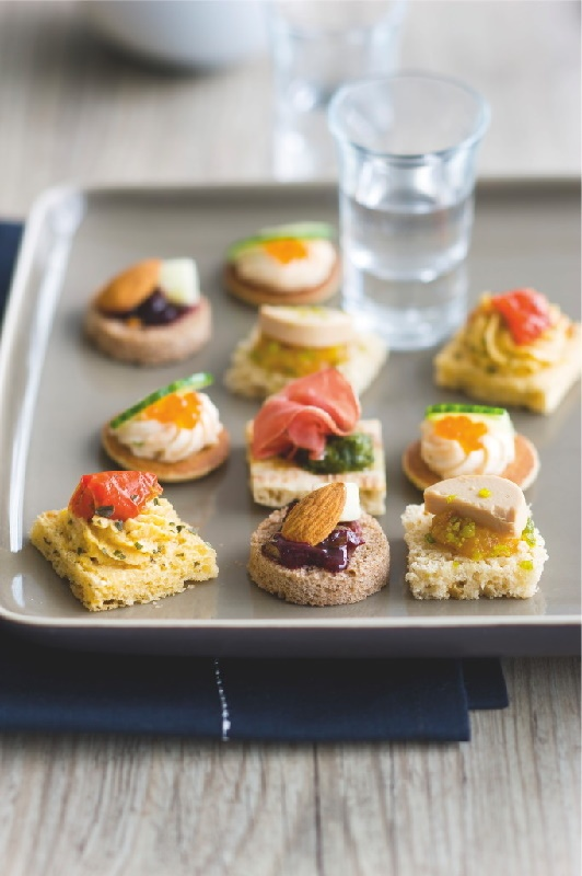 1000 images about canapes open face sandwiches on for Canape french translation