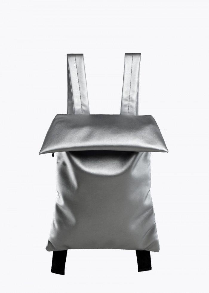 Цена: 3 890 ₽  Внутри есть защитное мягкое отделение под ноутбук. Можно использовать как рюкзак для ноутбука/документов, как и спортивную сумку. Размеры в форме рюкзака 35 х 50 см, в форме сумки 35 х 65 см