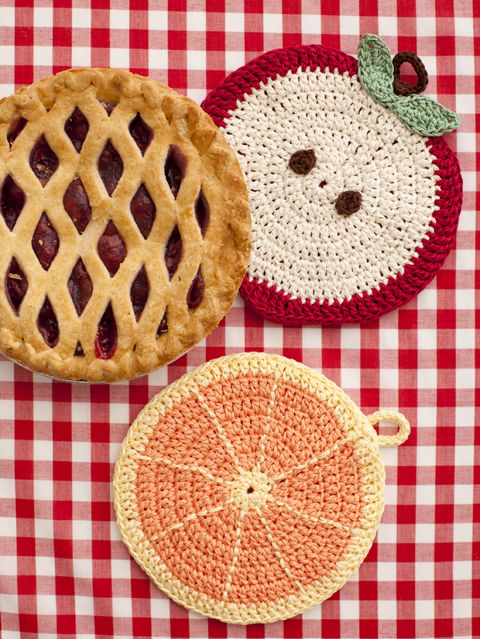 Apple and Orange Potholders | crochet today