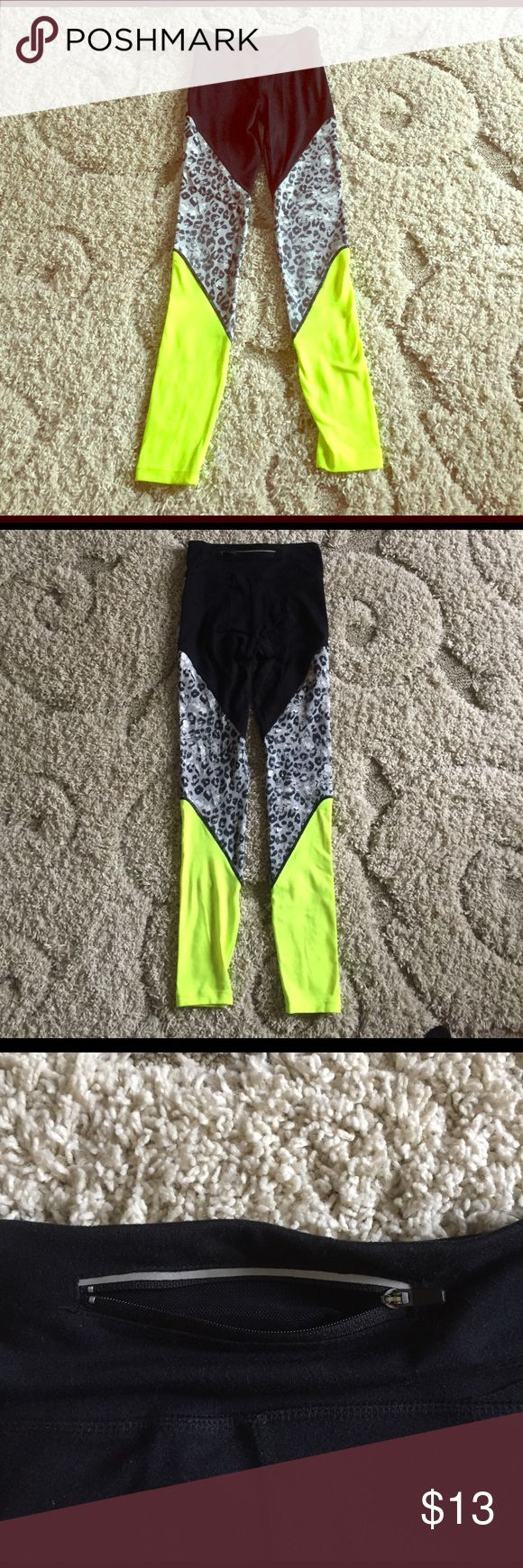 Jessica Simpson legging S neon yellow yoga workout Jessica Simpson yoga workout leggings. Neon yellow color and zippered pocket in back on waistline. Very cute, just a little too small for me Jessica Simpson Pants Leggings