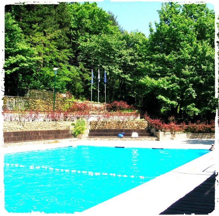Το ήξερες ότι δροσίζεσαι καλύτερα σε μια πισίνα με ιαματικό νερό στους 37-42 C βαθμούς; Ενώ οι ευεργετικές ιδιότητες του μπάνιου σου πολλαπλασιάζονται!! #loutrapozarGR www.loutrapozar.gr