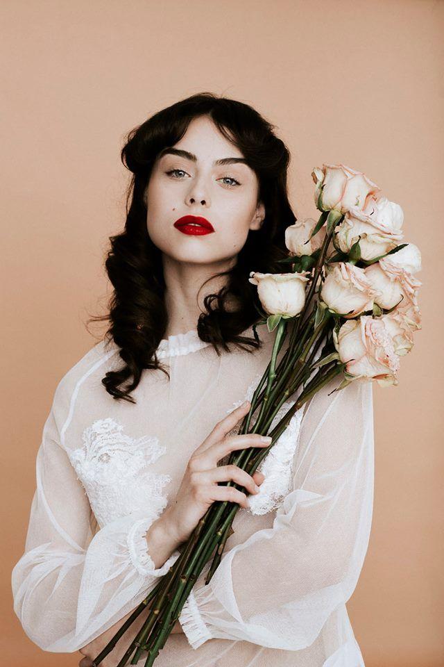 Nora Sarman tulle and lace top / make up Sara Skrionya / photo Pinewood Weddings / Nora Sarman