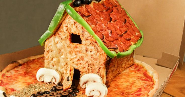 SCREW GINGERBREAD. BEHOLD THE #PIZZA HOUSE.:Did you see this freaking pizza house?
