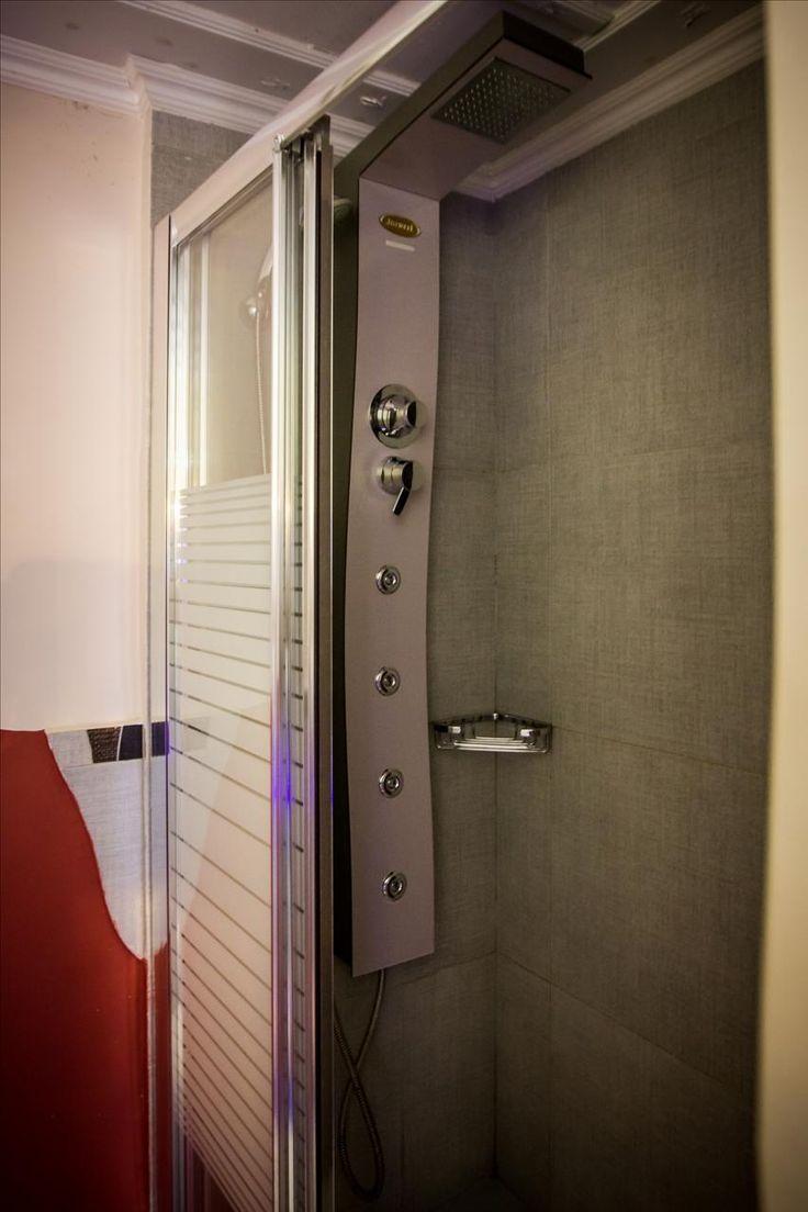 PEGASOS room  bathroom with hydromassage-cabin
