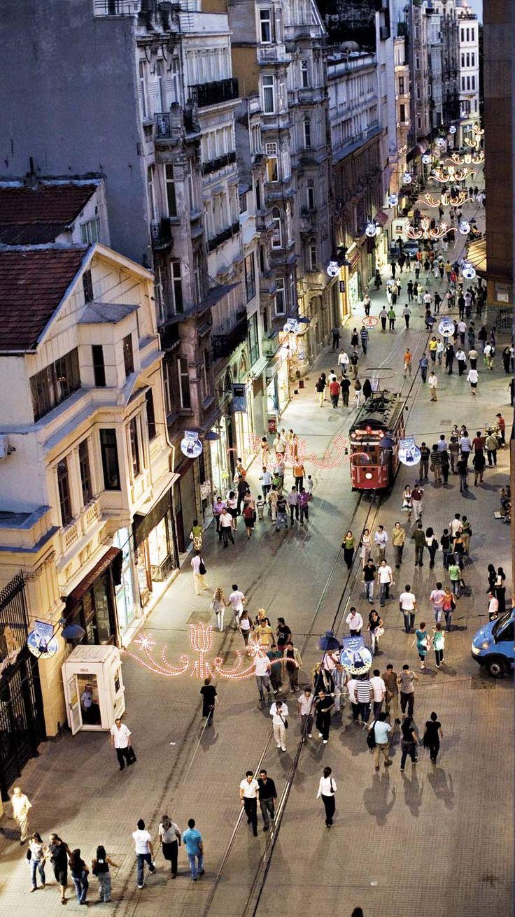 Taksim - İstiklal Street- İstanbul Türkiye