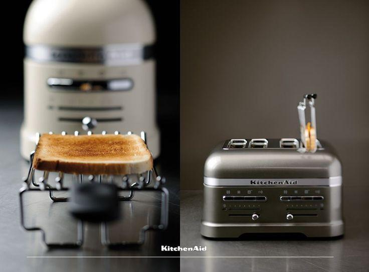 What is your ultimate Monday sandwich? A simple toasted cheese and tomato? Perhaps a grilled vegetable sandwich?  Whatever your choice, let the Sandwich Rack accessory for our 2 and 4 Slice Toasters help you! Much love KitchenAid Africa xx