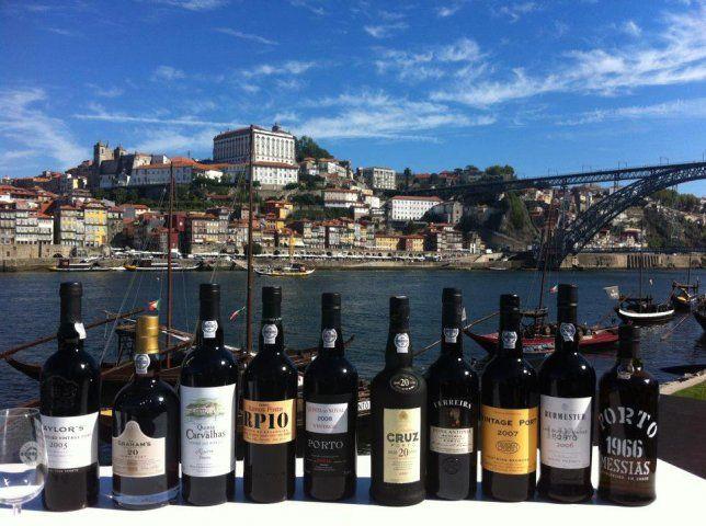Porto pochodzące z różnych winnic w Vila Nova de Gaia