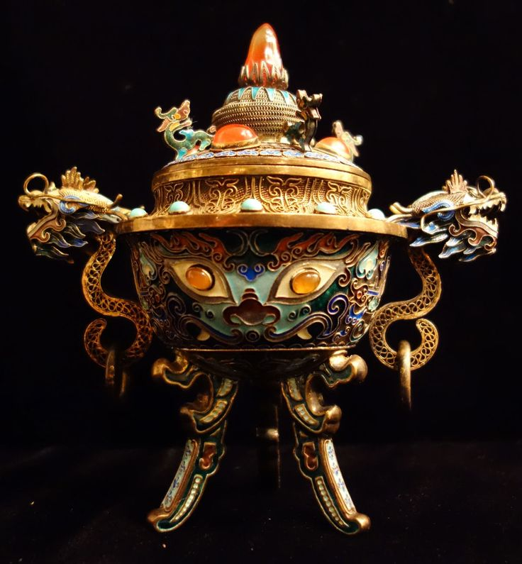 dating chinese antiques A guide to dating antique minton marks and dating minton porcelain including the full list of minton year cyphers used by  antiques, collectibles  chinese .