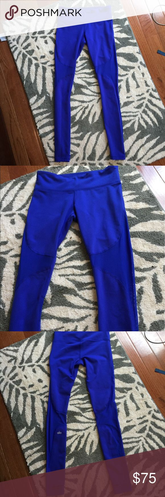ALO yoga Coast Legging ALO yoga coast legging size S. Like new condition. Only worn once for an hour. Color of pants best depicted in the actual photo of yoga pants. Model only shown for fit! Make me an offer :) ALO Yoga Pants Leggings