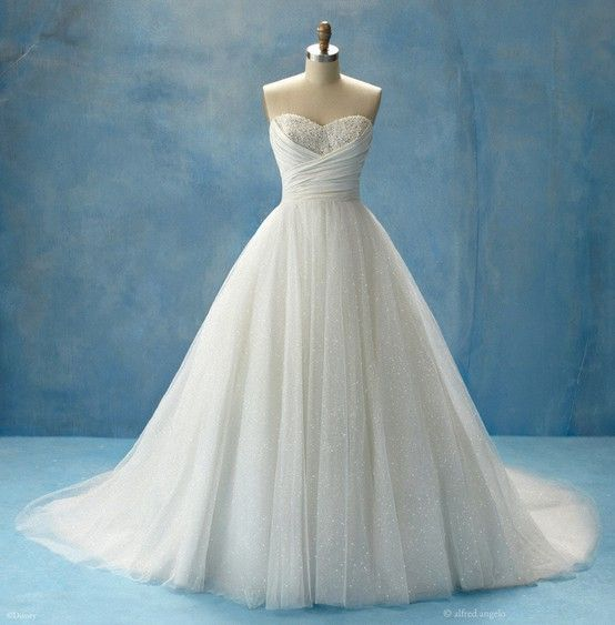 Alfred Angelo wedding dress inspired by the Disney princess, Cinderella. I think this i gorgeous if it had sleeves it would be perfect!