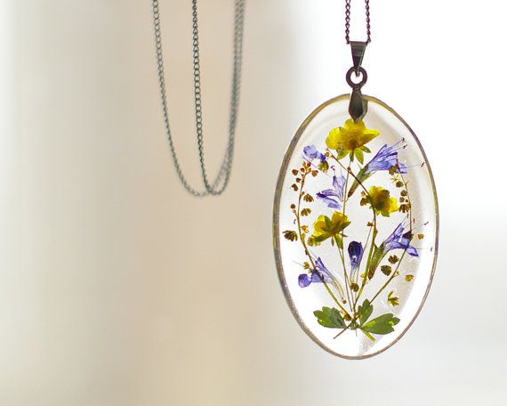 Real pressed flowers pendant - resin handmade jewelry - free shipping