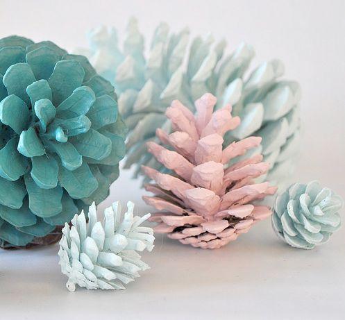 DIY Crafts: Beautiful Painted Pinecones