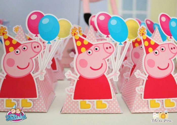 Peppa Pig themed birthday party via Kara's Party Ideas KarasPartyIdeas.com #peppapig #peppapigparty #peppapigcake (25)