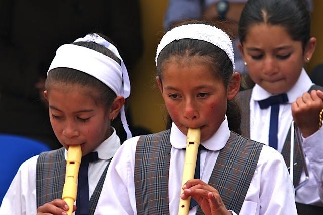 Los niños de Toca disfrutan de la música y la lectura / Crédito @Milton Ramírez (@FOTOMILTON) Mincultura 2012