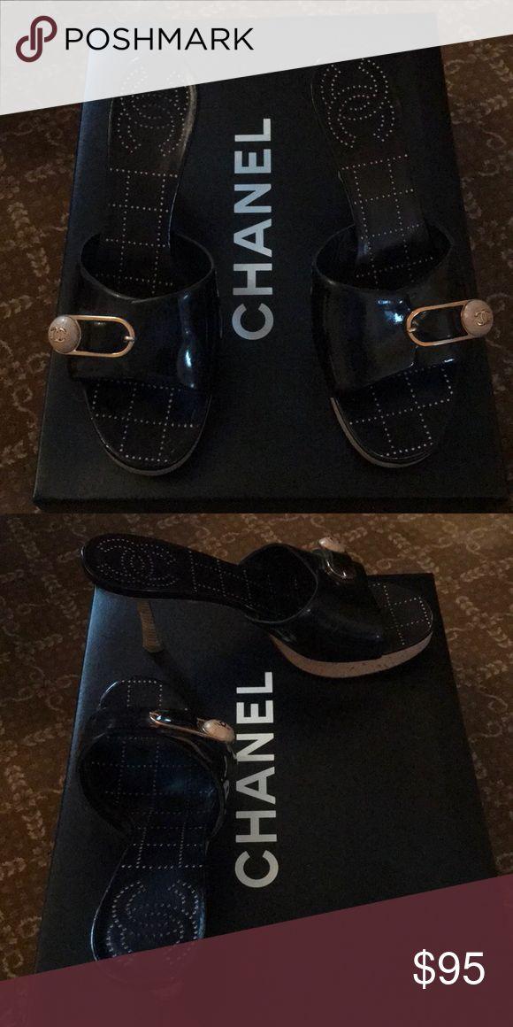 Moving sale Chanel slide CHANEL Shoes Heels