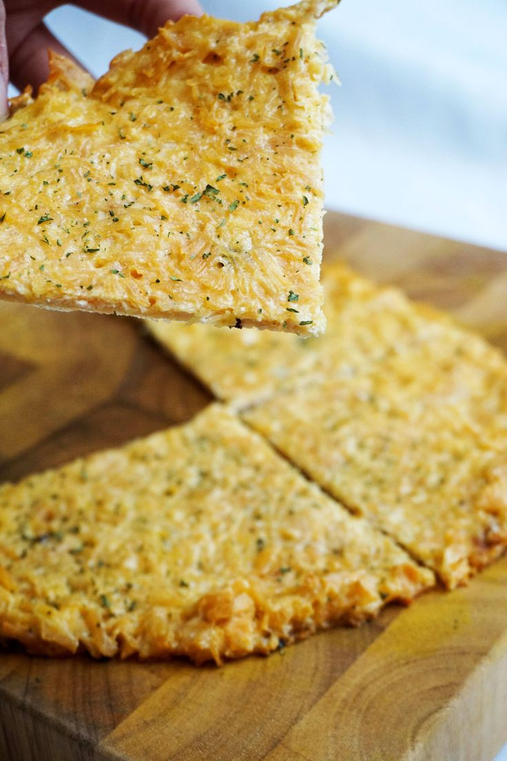 No-carb pizza crust / chicken crust for keto pizza from KetoConnect.net (dinner, lunch, snack, appetizer). #keto #LCHF #LowCarb